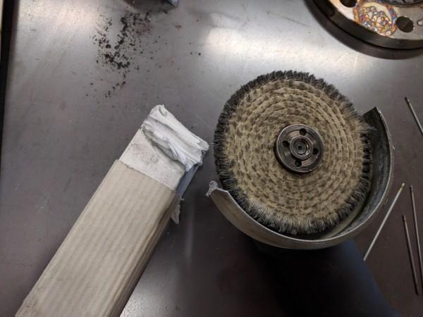 溶接焼けの研磨