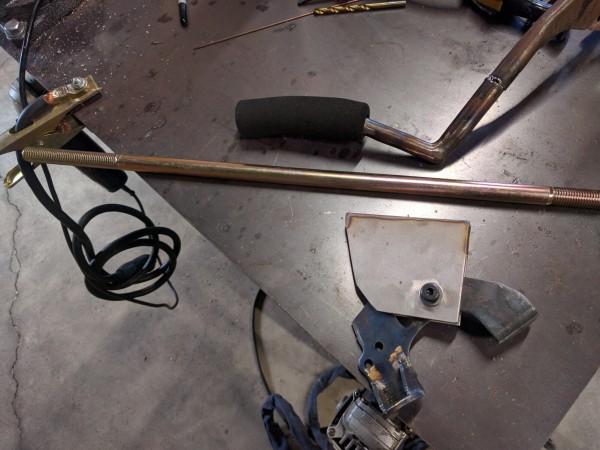 建築用の鉄丸棒