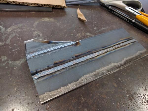 TIG溶接した鉄板
