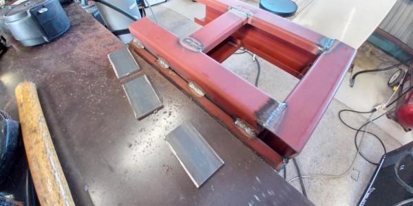 補強板を溶接