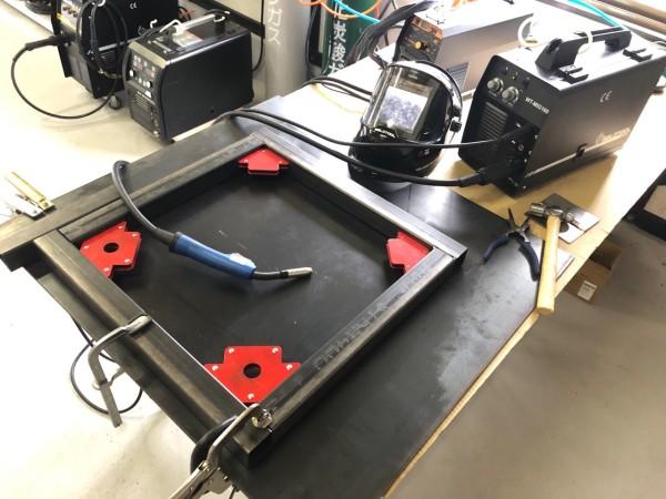 半自動溶接 作業台の脚