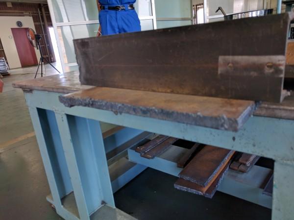 厚み10mmの鉄板