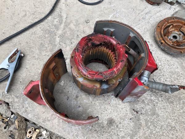 鋳鉄製モーターハウジングを切断