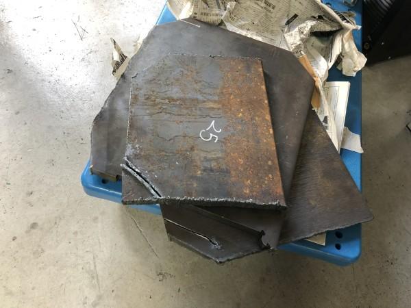 厚板をプラズマ切断で検証する。